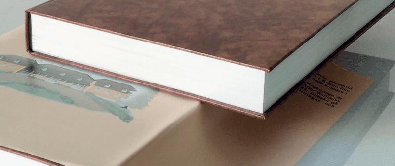 Kirjan kansimateriaali